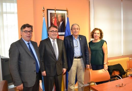 Cambre concede 7.500 euros a tres entidades sociais que traballan pola integración de persoas condispacidade