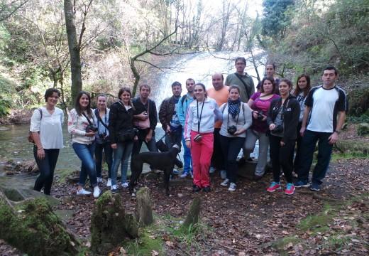 Unha quincena de rapaces e rapazas participaron nun curso teórico-práctico de iniciación á fotografía do Concello de Lousame