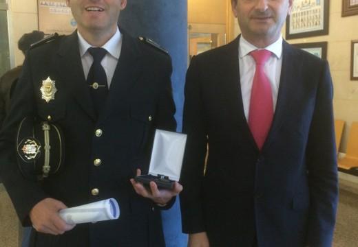 Homenaxe ao xefe da Policía Local de Ordes polos seus 25 anos de servizo á cidadanía de Ordes