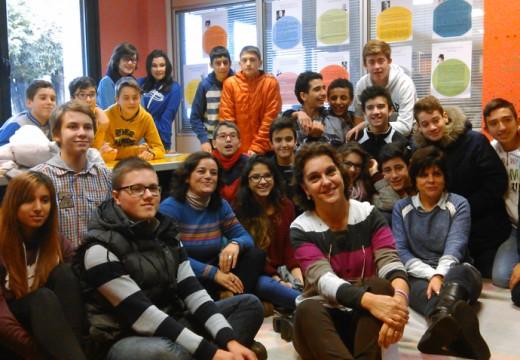 Visita do alumnado do Maruxa Mallo á biblioteca municipal de Ordes