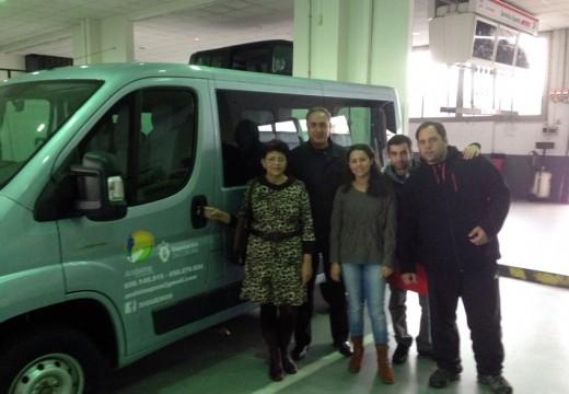 Andaina Pro Saúde Mental xa conta coa súa nova furgoneta