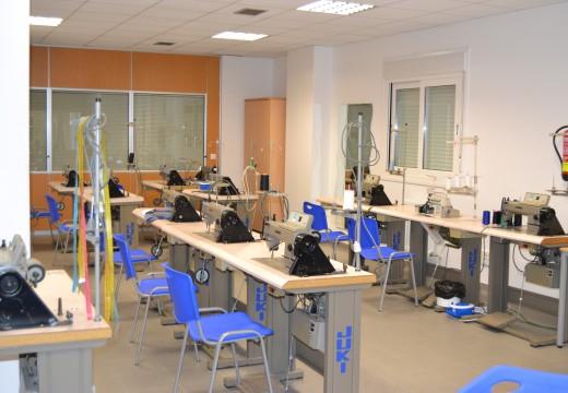O goberno local formúlase crear un taller de formación dirixido a desempregados enfocado ao sector téxtil