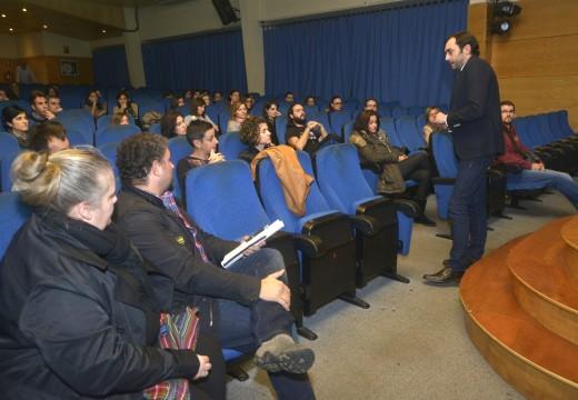 Setenta persoas aspiran a participar no programa formativo para desempregados que inclúe prácticas en empresas