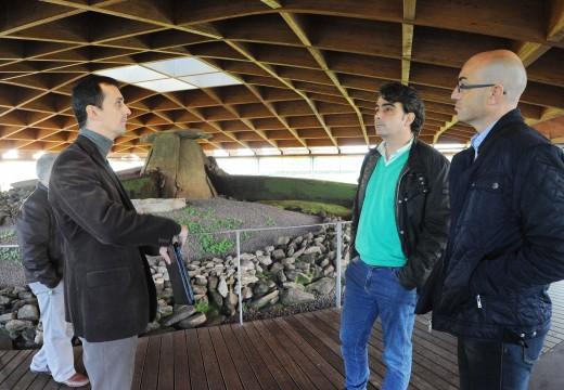 O presidente da Deputación visita o Dolmen de Dombate