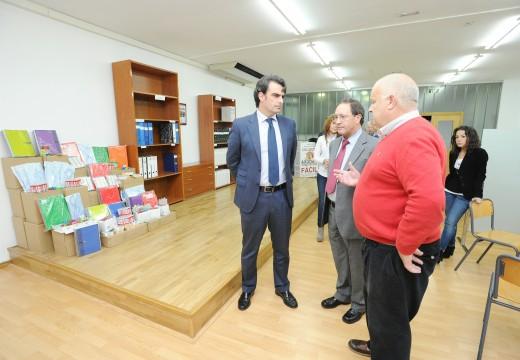 O presidente da Deputación da Coruña, Diego Calvo a sede da Fundación Amigos de Galicia