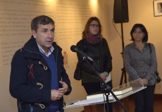 Alumnos de fotografía do IES Virxe do Mar exhiben no Lustres Rivas unha exposición na que se reflicte a súa visión da xuventude