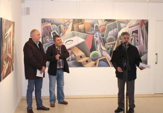"""A sala de exposicións de Brión acolle ata o 12 de decembro """"Trampitán"""", unha selección de 18 cadros surrealistas de Anselmo Lamela"""