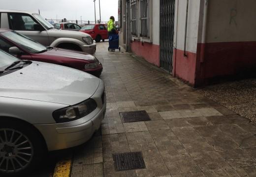 O Concello reordenará o tramo do Malecón entre Rosalía de Castro e Mercado para facilitar a circulación dos peóns