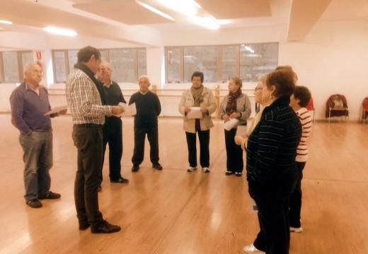 Máis de 150 veciños e veciñas participan dende hoxe nas actividades gratuítas para maiores do Concello de Oroso para o curso 2014/2015