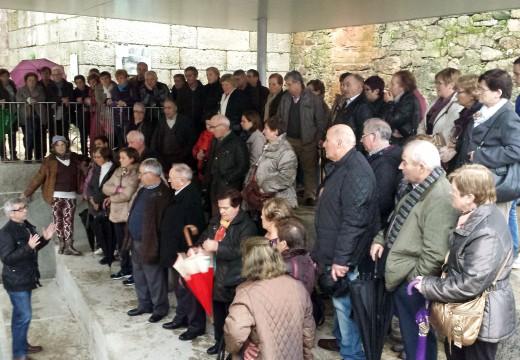 Un total de 75 veciños e veciñas de Frades visitan Ourense e ás súas termas