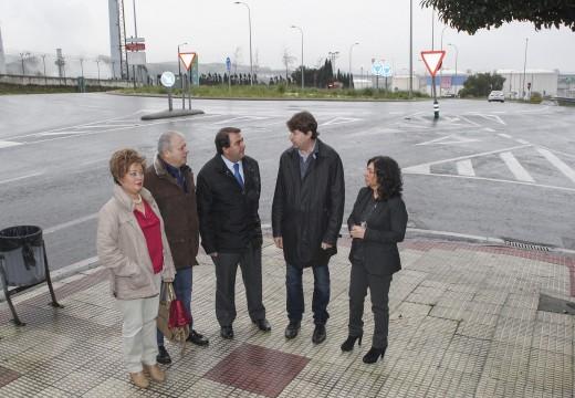 O alcalde anuncia a firma do convenio entre os concellos da Coruña e Arteixo e a Xunta para que o bus urbano chegue a Meicende