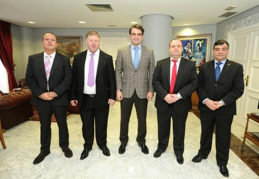 A Deputación investirá preto de 37.000 euros para a compra dun vehículo de mantenemento das estradas de catro concellos