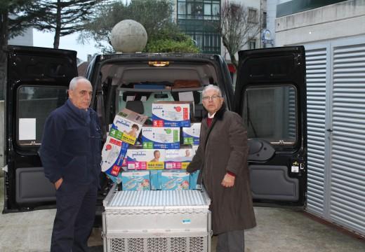 O PSOE de Ordes entrega 1.000 cueiros e 100 litros de leite enriquecida para nenos aos Servizos Sociais do Concello de Ordes