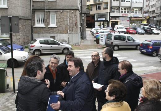 O alcalde anuncia un investimento histórico de 241.287 euros para a remodelación da praza do Comercio acordada cos veciños