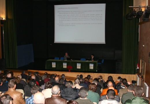 Máis dun centenar de asistentes participan nos I Encontros Gandeiros, no Concello de Ordes