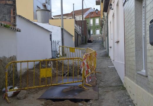 Arranque das obras de pavimentación e renovación de servizos da rúa da Concha e transversal no núcleo de Castiñeiras