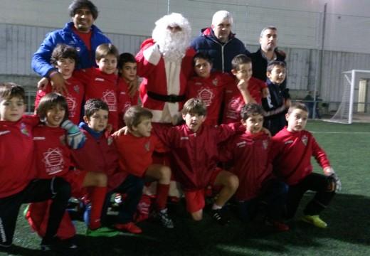Papá Noel visita aos nenos e nenas da Escola Deportiva Xuventude Oroso