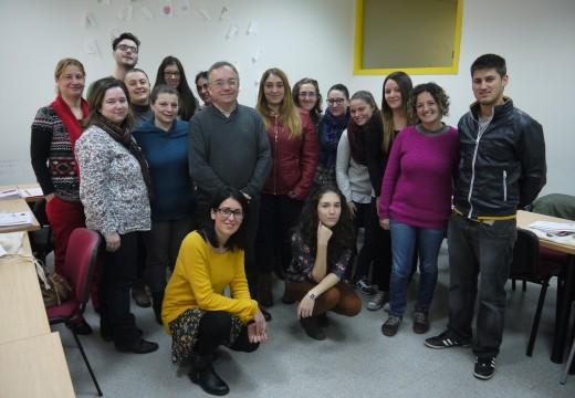 15 alumnos e alumnas aprenden en Val do Dubra cómo xestionar ludotecas