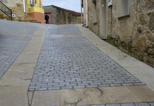 Conclúe a pavimentación do entorno de Cruceiro dos Remedios e o concello prepara xa a mellora doutras dúas vías desta zona