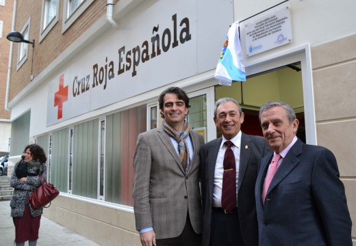 Diego Calvo gaba ao concello de Cambre polo seu traballo en mellorar os servizos asistenciais