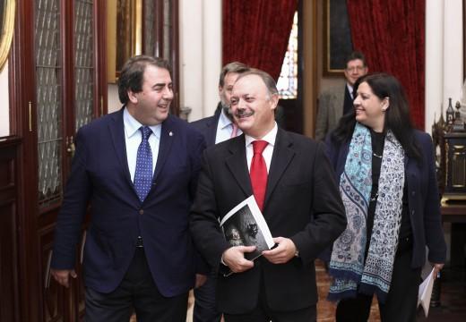 O alcalde anuncia que Iberia incrementa a súa oferta dende Alvedro con 60.000 asentos máis a través das novas rutas a París e Valencia e o aumento das conexións con Madrid