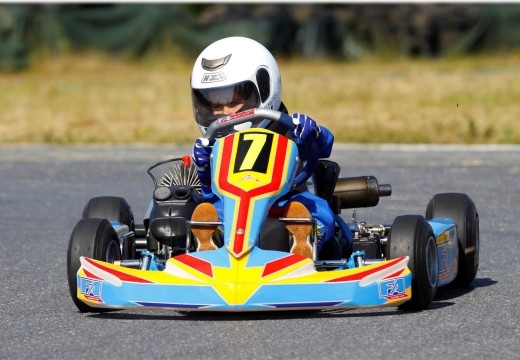 O carralés Manuel Caamaño recollerá este sábado o trofeo de campión galego de karting