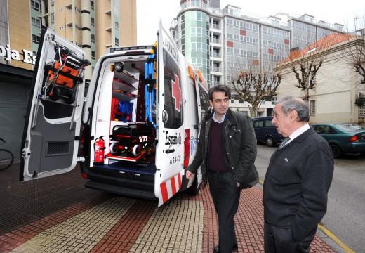 A Deputación fai entrega dunha ambulancia á Cruz Vermella da Coruña