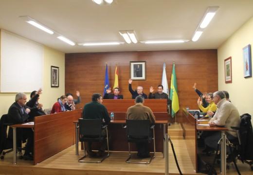 O Pleno do Concello de Oroso aproba por unanimidade destinar 185.000 euros do PAI 2015 a melloras de estradas nas parroquias