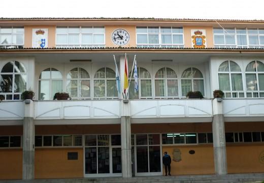 O concello recibe unha subvención da Deputación da Coruña para pintar a Casa Consistorial e reparar a cuberta