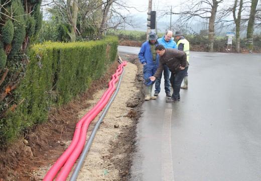 Comezan as obras da senda peonil que mellorará a seguridade viaria nos accesos ao tanatorio e á Casa do Concello de Frades