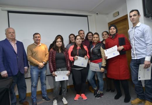 Quince persoas participaron nun curso de coidador e acompañante de bus escolar