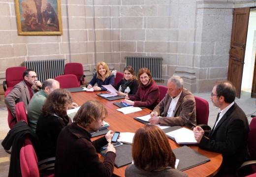 Asinado o contrato para revisión do Plan Especial e primeira reunión de traballo