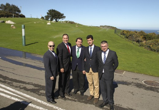 O alcalde presenta no monte de San Pedro o primeiro parque municipal con sistema de rego intelixente
