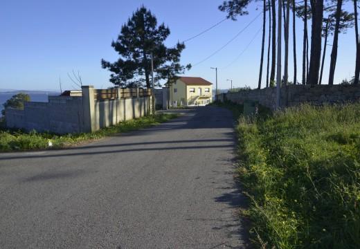 O concello de Riveira impulsa unha nova actuación para dotar de saneamento ao lugar de Cobas na parroquia de Castiñeiras