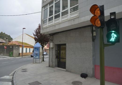 Entran a funcionar con carácter permanente os semáforos que regulan a avenida Miguel Rodríguez Bautista á espera de calibrar os últimos axustes