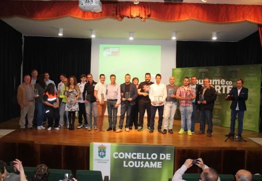 """O atletas Marcos Mallo """"Tosky"""" e Fernando Pérez """"Dete"""", mellores deportistas de Lousame no 2014"""