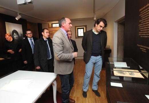 Diego Calvo visitou a Casa-Museo Rosalía tras a conclusión da reforma do espazo museístico financiada pola deputación