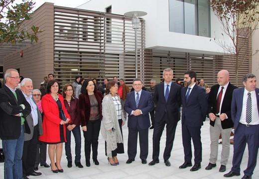 A Xunta destaca que o orzamento dedicado neste 2015 á dependencia chegará aos 300 millóns de euros