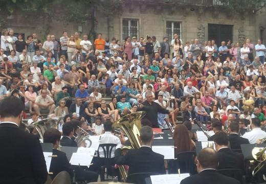 """O ciclo """"Música no Camiño"""" continúa achegando a música galega aos centos de peregrinos que chegan cada domingo a Compostela"""