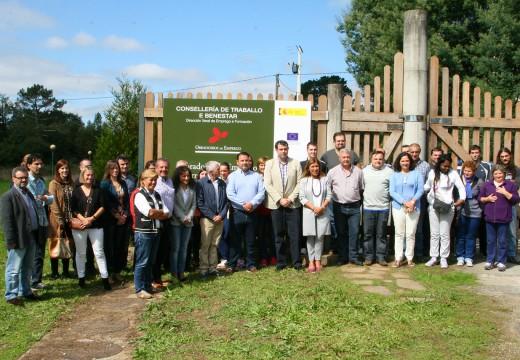 O alcalde de Ordes e a conselleira de Traballo e Benestar visitan o obradoiro de emprego 'Terras de Trastámara'