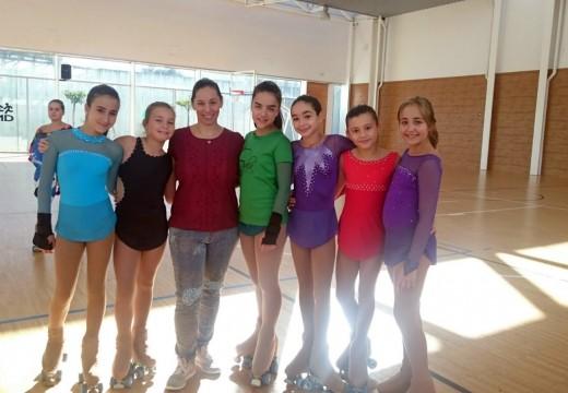 As patinadoras ordenses perfeccionan o seu estilo coa seleccionadora nacional Angélica Morales