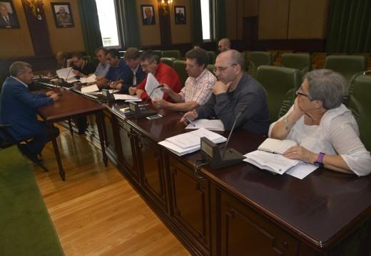 O Consello Sectorial de Pesca de Riveira solicita unha nova regularización dos motores de embarcacións de artes menores