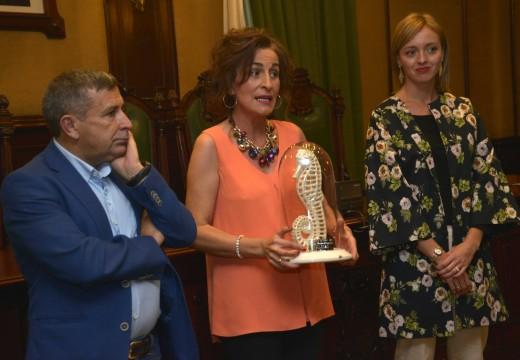Alalba e Abuela Floria recollen os seus galardóns como mellores escaparate e decoración hostaleira en Artemar 2015