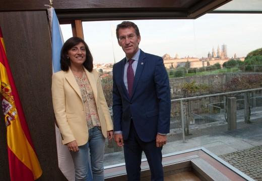 Feijóo acorda coa alcaldesa de Melide acometer as obras de urxencia do centro de saúde e incluír no orzamento de 2016 a construcción dunha nova infraestrutura
