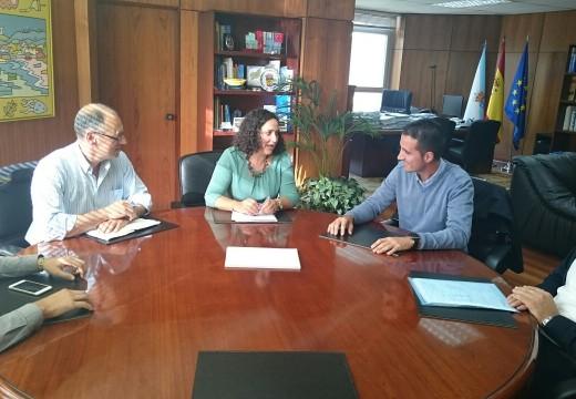 Belén do Campo trasládalle aos alcaldes de Coristanco, Mazaricos e Santa Comba que a Xunta ven de esixir á concesionaria do transporte público nesta área a reposición dos servizos suprimidos