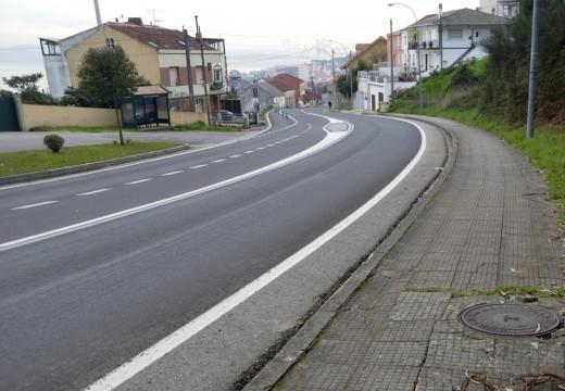 O Concello adxudica provisionalmente a renovación dun tramo de cen metros de beirarrúas na Avenida de Ferrol en Riveira