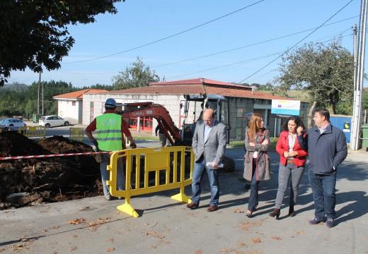 O Concello de Frades inviste 40.000€ na segunda fase da remodelación da praza do mercado de Ponte Carreira