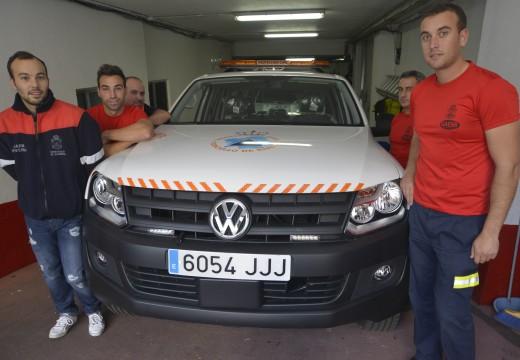Protección Civil de Riveira conta dende hoxe cun novo vehículo pickup