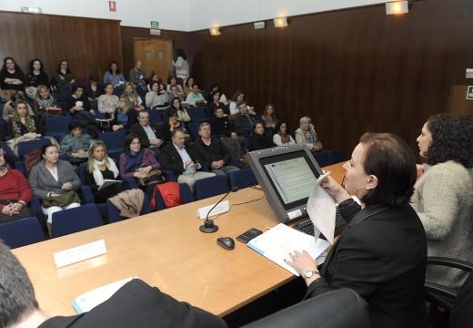 A Xunta informa aos concellos da provincia da Coruña das axudas para a promoción da igualdade, que este ano se incrementarán nun 35 por cento