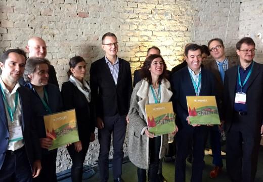 O conselleiro de Cultura e Educación recolle o testemuño da organización de Womex para a edición de 2016 en Galicia